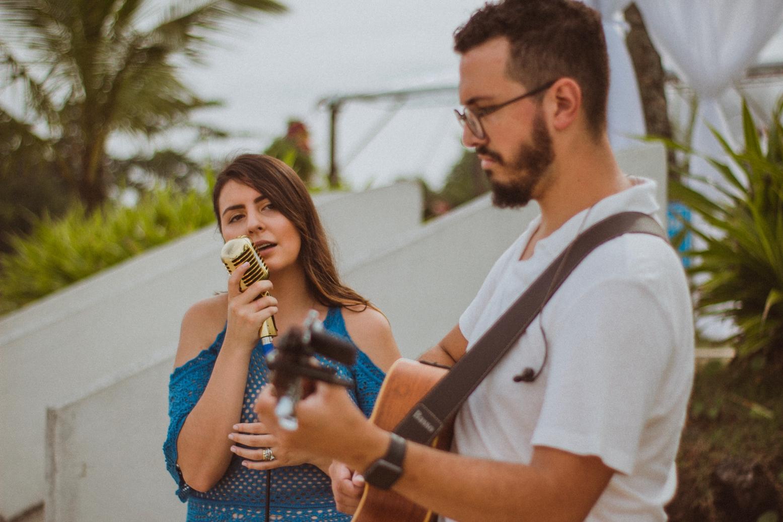 Casamento Patrícia e Bruno Voz e Violão Praia 02