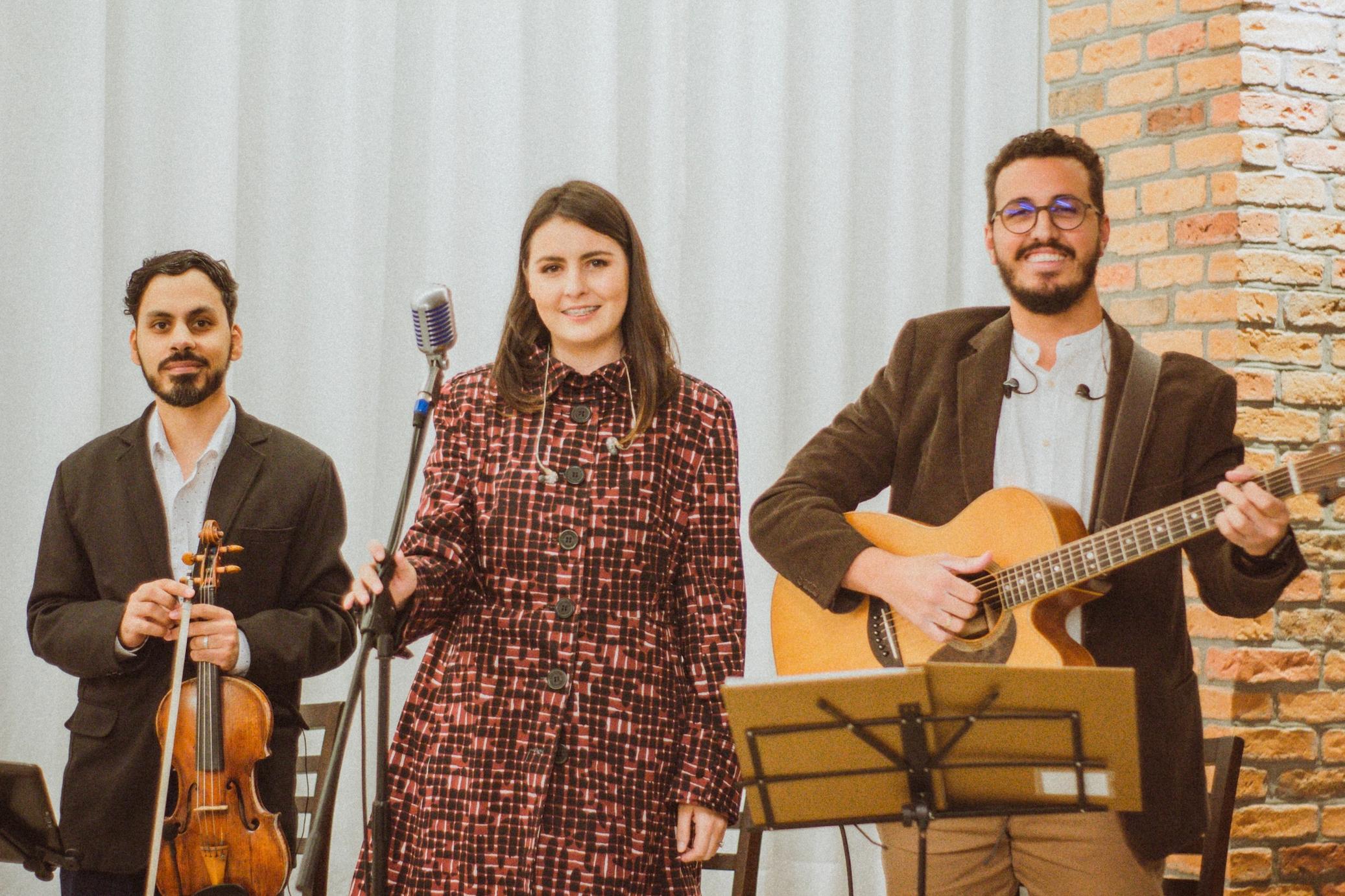 Casamento Gisele e Alexandre Voz Violão e Violino Mari e Gu 04