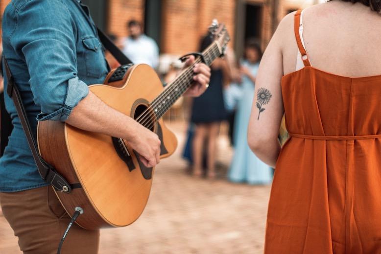 Mari e Gu Voz e Violão para Casamento As 15 Músicas que mais tocamos nos casamentos de 2019 2
